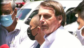 Após votar no Rio de Janeiro, Bolsonaro defende voto impresso a apoiadores
