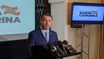 Governador de SC é absolvido de impeachment e retoma cargo