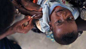 Mãe reclama de falta de vacina em posto; Sesau regulariza distribuição