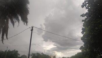 Chuva chega, refresca calorão e derruba temperaturas em Campo Grande