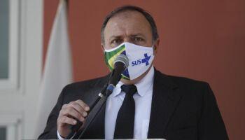 Doses da vacina Oxford chegam em janeiro no Brasil, diz ministro