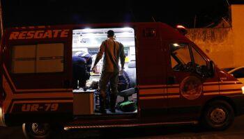 Comerciante é baleada após dupla de moto tentar matar desafeto no Buriti