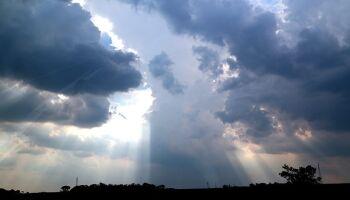 Previsão é tempo nublado com possibilidade de pancadas de chuva em MS