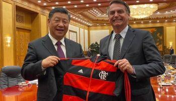 Bolsonaro anuncia insumos para Coronavac e agradece Tereza Cristina por negociação