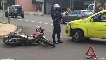 Respeito é lenda e acidentes se multiplicam em cruzamento da Av. Bandeirantes