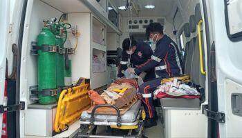 Ciclista atropelado por caminhão está em estado grave