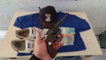 Suspeito armado de cometer roubo em quiosque é preso em Três Lagoas