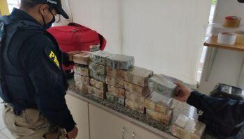 Passageiro é flagrado com malas recheadas com dólares e acaba preso em Campo Grande