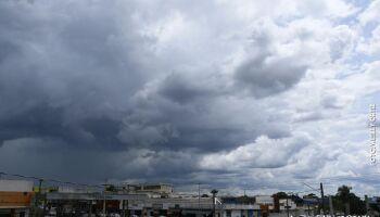 Sol aparece durante o dia, mas chuvas é quem ditam a terça-feira em MS