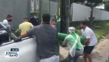 Morador de Manaus vende carro para comprar oxigênio para quatro familiares