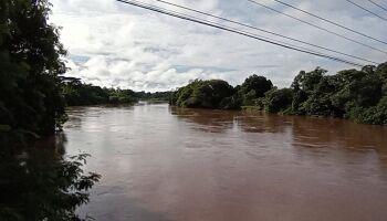 Nível do rio Aquidauana baixa, mas alerta de chuva mantém autoridades atentas