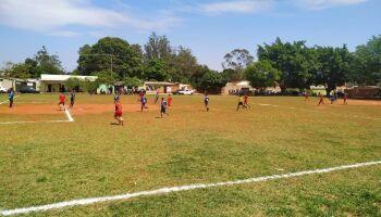 Vídeo: mulheres são impedidas de jogar em campos de futebol de Campo Grande
