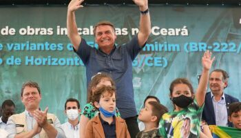 Bolsonaro ameaça: 'governador que fechar estado vai bancar auxílio emergencial'