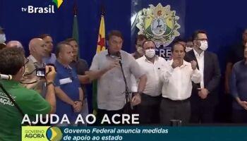 Irritado, Bolsonaro encerra entrevista após pergunta sobre processo do filho Flávio