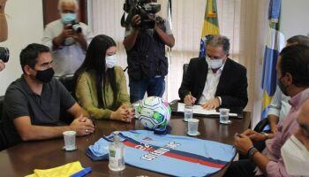 Rose destina R$ 500 mil para Campeonato Estadual de futebol: 'gera diversão e renda'