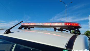 Passageiro de ônibus é atropelado por caminhonete após tentar atravessar rodovia