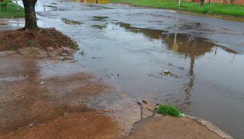 Chuva forte e rápida deixa quinta-feira 'mais fresquinha' em Campo Grande