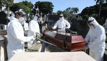 Gripezinha? Brasil tem quase dois mil mortos por covid entre a terça e quarta-feira