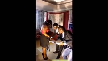 Vídeo: pastor pentecostal unge e raspa virilha de fiéis em igreja