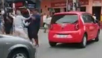 Porteiro tenta trocar máscara com defeito e acaba espancado por comerciante