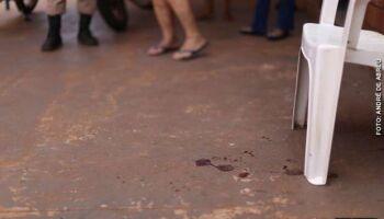 Ex-marido ameaça mulher com novo namorado no José Abrão