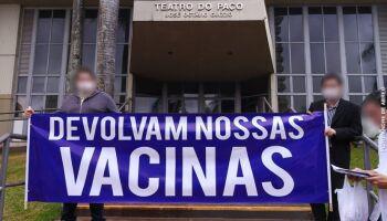 MP investiga 11 'fura-filas' e uma falsa aplicação da vacina em MS