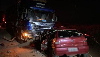 Motorista bate de frente com carreta boiadeira e morre em Nova Andradina