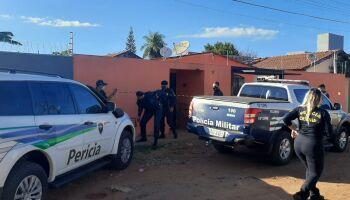 Mulher que matou marido ganha liberdade e volta para casa no Jardim Batistão