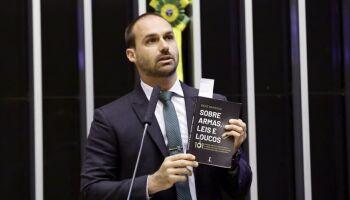 Eduardo Bolsonaro diz que CPI da Covid já produziu 'milagres' no Brasil
