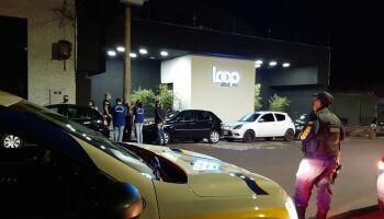 No toque de recolher, GCM baixa em 33 comércios e fecha uma festa em Campo Grande