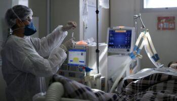 Brasil tem 2.027 mortes por covid-19 em 24 horas