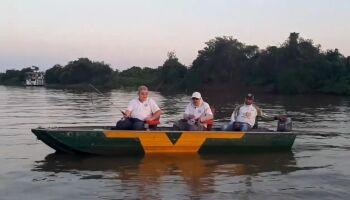 Marun estreia programa de pesca, mas só pega piranha em vez de pacu no Pantanal