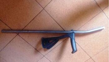Sobrinho reclama de celular quebrado e agride tio com muletas no Jardim Aeroporto