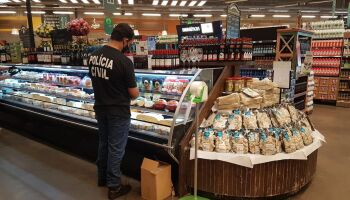 Após denúncia e fiscalização, polícia investiga supermercado de Campo Grande