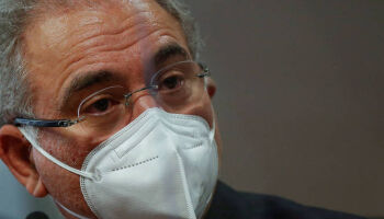 Ministro confirma 100 mi de doses da Pfizer a partir de setembro