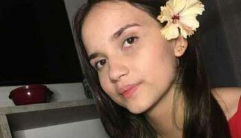 Menina que fugiu com joia para fronteira volta para casa após apelo da família