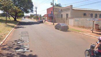 Bandido armado assalta passageiros dentro de ônibus na Avenida Gunter Hans