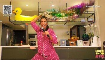 Ivete Sangalo faz live especial de Dia das Mães neste domingo