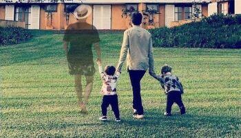Fã faz homenagem de Paulo Gustavo em foto de Thales e filhos e emociona a web