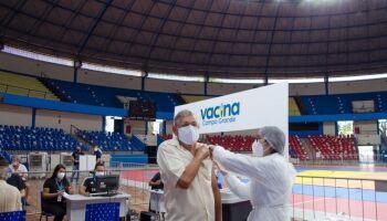 Campo Grande deve retomar vacinação contra a covid nesta sexta-feira