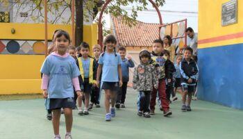 Volta às aulas: entre termo e cuidados, pais precisam redobrar atenção