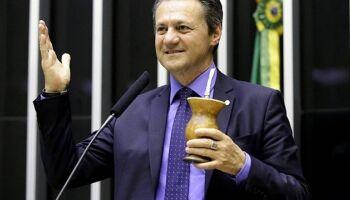 Bolsonarista diz que máscara 'pode ter prejudicado câncer de Covas'; Fábio rebate