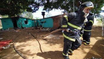 Neto drogado espanca avó e coloca fogo em casa em Três Lagoas