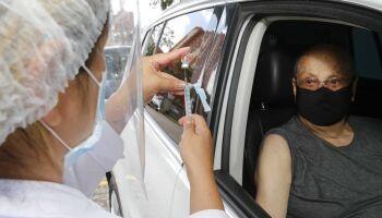 Campo Grande aplica 2ª dose de vacinas contra covid nesta quinta-feira