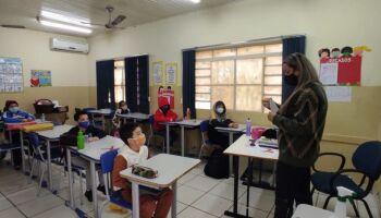 Profissionais da educação e professores aprovados em concurso são chamados em Campo Grande