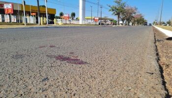Motorista que atropelou e matou funcionário de atacadista continua foragido