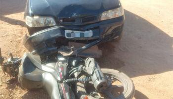 Motociclista tem parte da orelha arrancada em acidente
