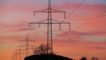 Pico no consumo de energia muda e nem horário de verão salva preço da conta