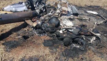 Dois morrem em queda de helicóptero de traficantes em MS