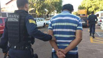 Guarda Municipal xinga colegas de trabalho e acaba preso no Terminal Aero Rancho